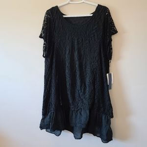 NWT Dolce Cabo Knit Top